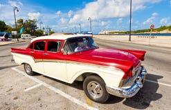 经典美国汽车在哈瓦那 免版税库存照片