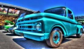 经典美国20世纪60年代福特卡车 库存照片