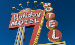 经典20世纪50年代霓虹汽车旅馆符号 免版税库存照片