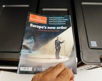 经济学家的盖子的伊曼纽尔Macron 图库摄影