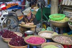 经销商豆在城市市场,大叻上 图库摄影