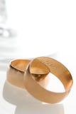 结合玻璃婚礼 免版税图库摄影