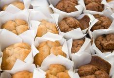 结块新鲜的微型松饼 库存图片