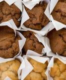 结块新鲜的微型松饼 免版税图库摄影