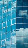 结构大厦玻璃使现代 免版税库存图片