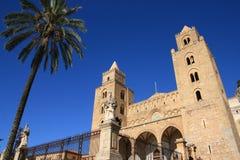 结构大教堂cefalu西西里岛 免版税库存照片