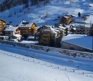 结构瑞士山中的牧人小屋 免版税图库摄影