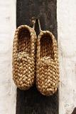 结辨的鞋子 图库摄影