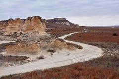 绕土路通过Castle Rock荒地 免版税库存照片