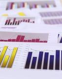 绘制财务图表 图库摄影