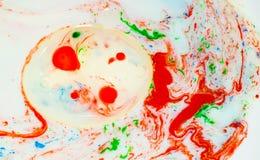 绘在液体的泡影 免版税库存照片