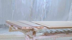 绘木空白的过程,土气内门的生产 影视素材