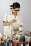 绘画陶瓷工 免版税图库摄影