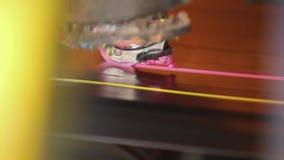 绘的机器在橡胶磁带做红线 股票录像