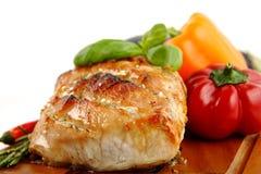 给上釉的烤猪肉蔬菜 库存照片