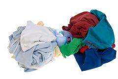 给坏的洗衣店堆穿衣 图库摄影