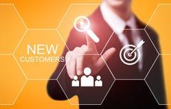 给新的顾客营销企业互联网技术概念做广告 免版税库存图片
