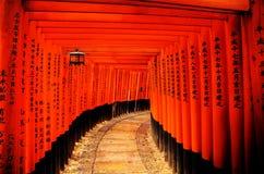 给日本torii装门 库存图片