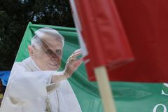 给本尼迪克特教皇技术支持xvi做广告 免版税图库摄影