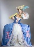 给穿衣的中世纪样式妇女 图库摄影