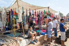 绳索和其他工具的卖主 免版税库存图片