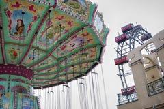 维也纳,奥地利- 2012年8月17日:旋转木马spinn看法  免版税库存照片