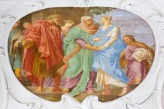 维也纳,奥地利- 2014年7月30日:访问壁画在教会Pfarkirche玛丽亚Hietzing里从18的安东尼Galliardi 分 免版税库存照片