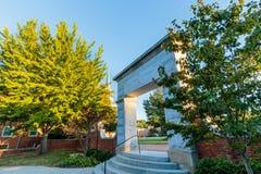 维克弗斯特大学的等待教堂 免版税库存图片