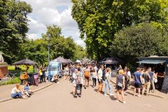 维多利亚公园星期六市场在可爱的夏日 免版税图库摄影