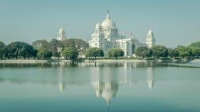 维多利亚纪念品美丽的景色有反射的在水,加尔各答,加尔各答,西孟加拉邦,印度 免版税库存图片