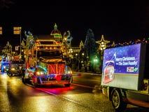 维多利亚BC,加拿大- 2017年12月12日:卡车轻的游行 免版税库存图片