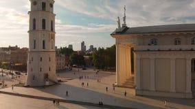 维尔纽斯大教堂正方形鸟瞰图在夏日 股票录像