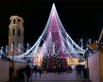 维尔纽斯,立陶宛- 12月02 :在2017年12月02日的维尔纽斯装饰的Gediminas aveniu看法在维尔纽斯立陶宛 在199 库存照片