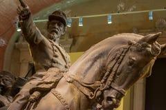 维托帕尔多-膏药剪影,绘在古铜的模仿,纪念碑的被修建以纪念争斗的Cialdini将军  免版税图库摄影