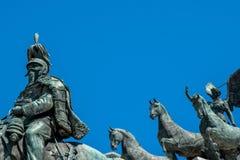 维托里奥・埃曼努埃莱・迪・萨伏伊,阿尔塔雷della帕特里亚,威尼斯广场,罗马意大利骑马雕象  免版税库存图片