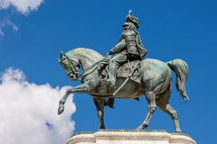 维托里奥・埃曼努埃莱・迪・萨伏伊,阿尔塔雷della帕特里亚,威尼斯广场,罗马意大利骑马雕象  免版税库存照片