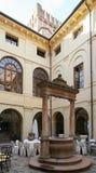 维罗纳,意大利- 2017年7月12日:城堡贝维拉夸:历史的旅馆的内部在维罗纳附近的 免版税库存照片