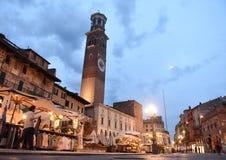维罗纳,意大利2017年6月06日:广场delle erbe集市广场a 免版税图库摄影