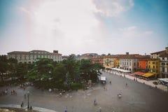 维罗纳,意大利2013年7月11日:维罗纳竞技场竞技场二维罗纳是广场胸罩的罗马圆形露天剧场在维罗纳,意大利 免版税库存照片