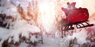 综合图象的defocused圣诞树光和壁炉 免版税库存图片