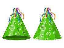 绿党在白色背景隔绝的帽子锥体 辅助部件,假日的标志 生日盖帽 库存图片