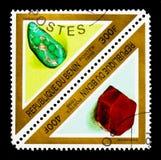 绿松石和Corindon、矿物和岩石serie,大约1998年 免版税库存照片