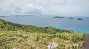 绿松石太平洋和海岛风景 库存图片