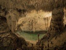 绿松石水池 库存图片