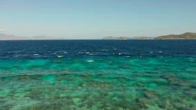 绿松石水表面在盐水湖 影视素材