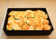 绿皮胡瓜土豆或土豆澳大利亚焦干酪 库存照片