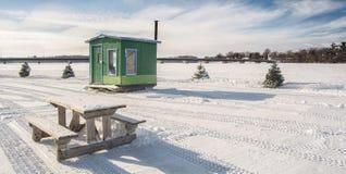 绿色冰渔客舱在Ste罗斯拉瓦尔 免版税库存图片