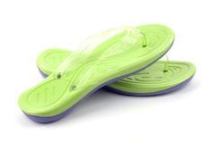 绿色凉鞋 免版税库存图片