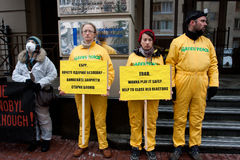 绿色和平的反核活动 免版税库存图片