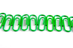 绿色回形针 库存照片